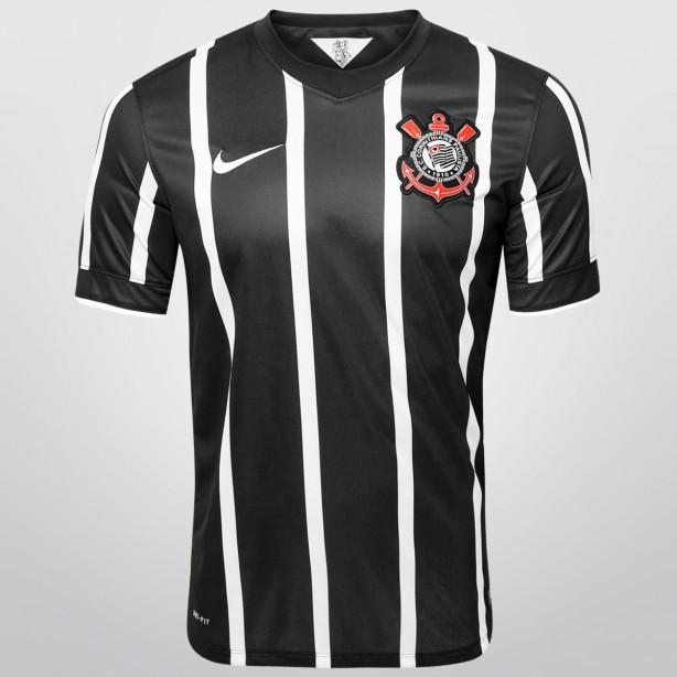 Camisa oficial do Corinthians 2014 2015 tem menor preço desde o ... 8fa331f283c35
