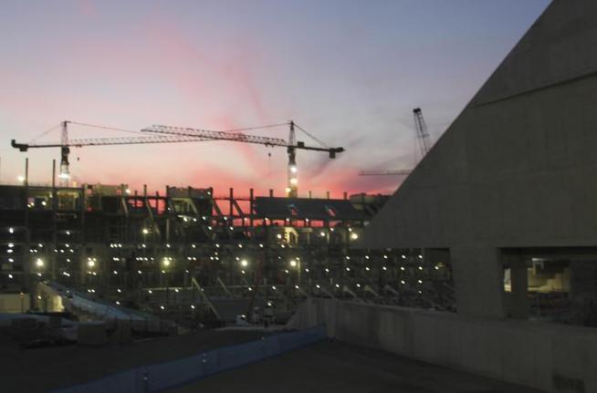 Arena Corinthians: 50% conclu�da, imagens do entardecer e panor�micas dos acessos ao est�dio