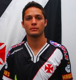 De sa�da do Catar, Anderson Martins pode chegar ao Corinthians