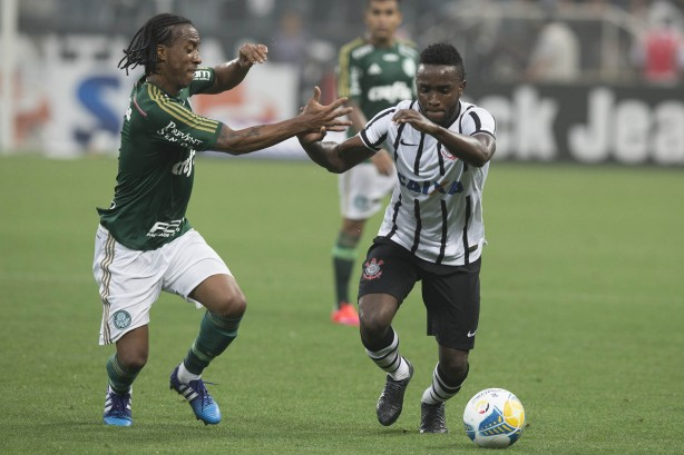 Com mudanças, Corinthians perde pela primeira vez no campeonato