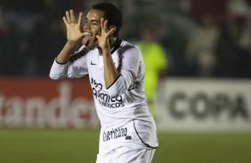 Dentinho e Corinthians trocam mensagens no Twitter ap�s divulga��o da Florida Cup