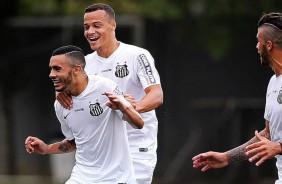 Depois de erro infantil do Santos, Corinthians contrata revela��o de 18 anos