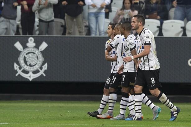 Gil marcou um golaço na Arena Corinthians