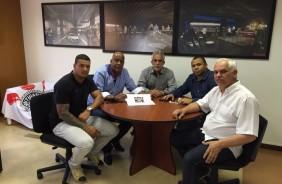 Corinthians confirma parceria com escola de samba