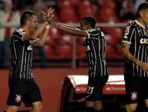 Gols da partida: Corinthians vence S�o Paulo por 2 a 1