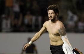 Pato bate o p�nalti nos acr�scimos e garante a vit�ria do Corinthians